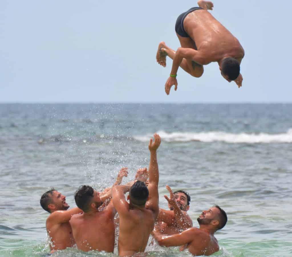 beach fun men college